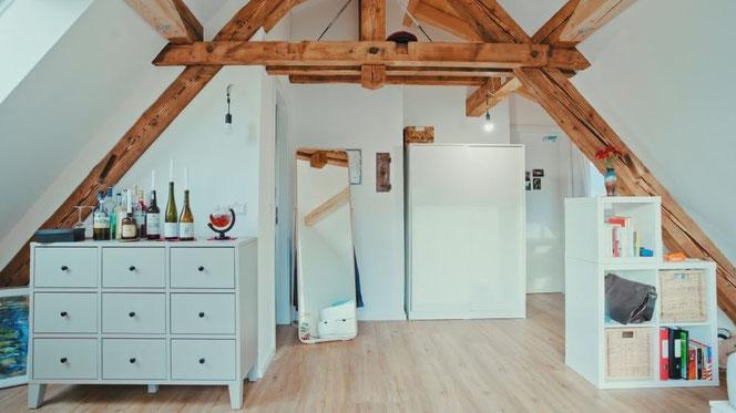 """Studentenzimmer """"Adolf Steinhofer"""" im neu ausgebauten Dachgeschoss des Teutonenhauses"""