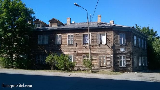 Гатчина, Красноармейский проспект 28