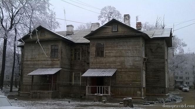 на фото: Гатчина, Карла Маркса 9 А (декабрь 2014)