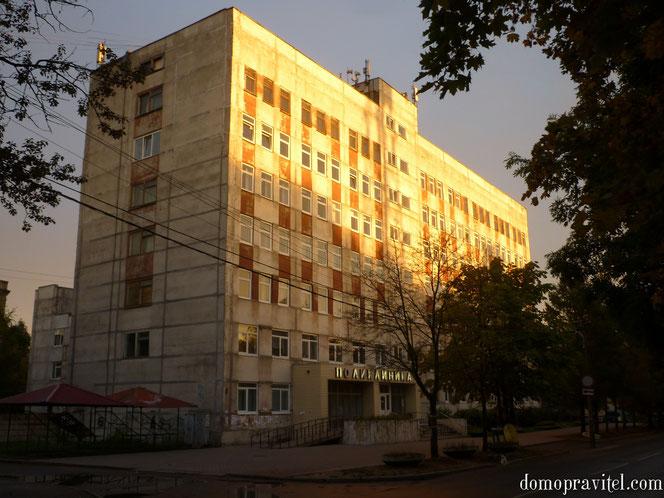 Гатчинская поликлиника на Урицкого