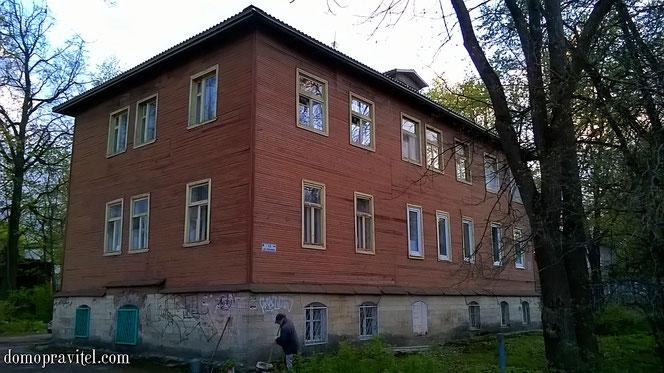 Леонова 15 в Гатчине