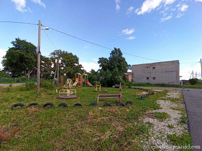 Детская площадка в Раболово