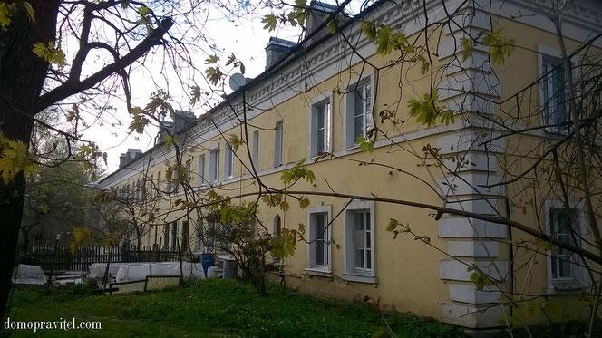 Гатчина, Киевская 1, вид со двора.