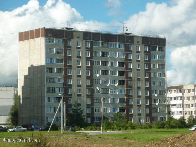 Дом 121 серии на Авиатриссы Зверевой 15 в Гатчине