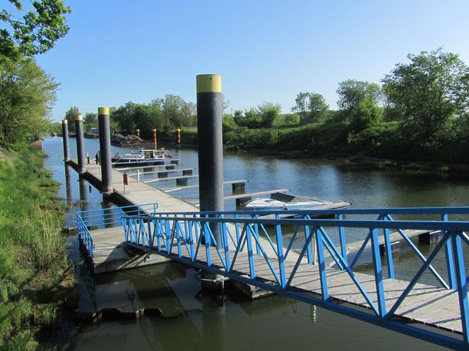 Frankfurt an der Oder mit dem Boot  Hafen und Anleger