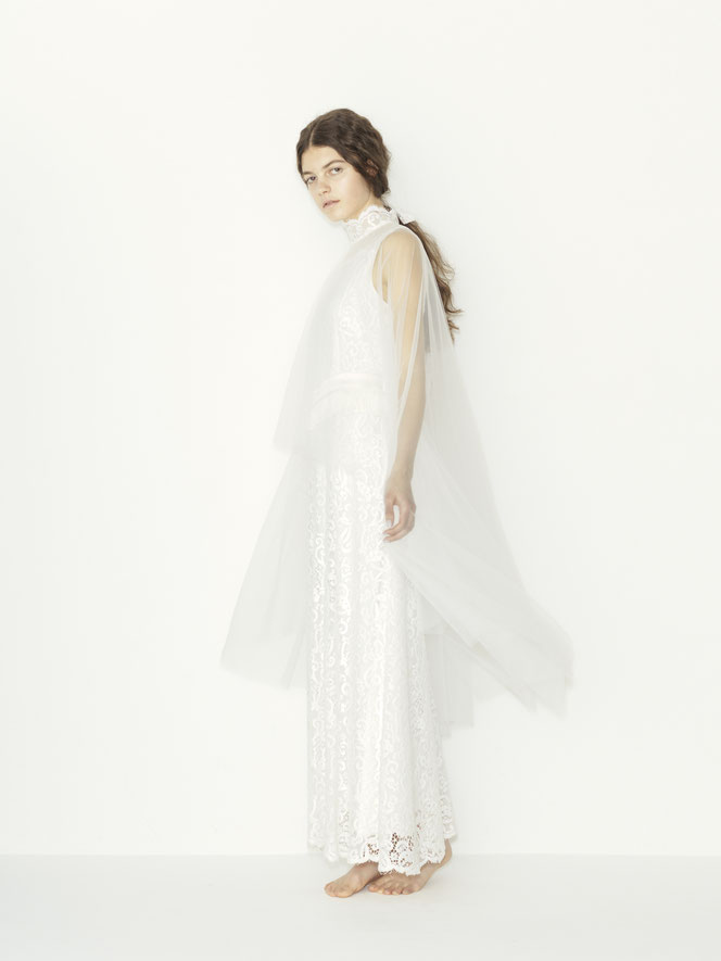 nd-613/27  leavers lace hi-neck N/S cape wedding dress