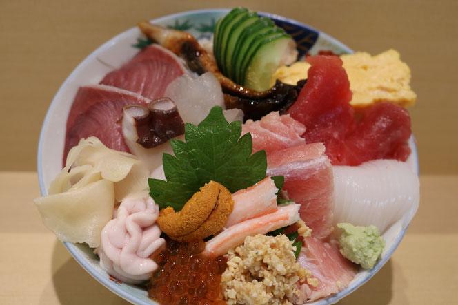 美川県一丼 (海鮮丼)