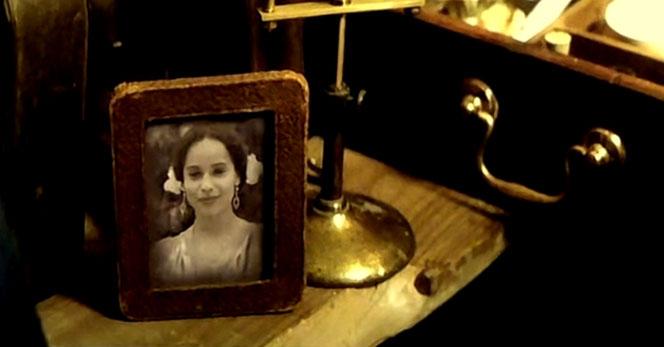 Le portrait de Leta Lestrange dans la valise de Norbert (Les Animaux Fantastiques - 2016)