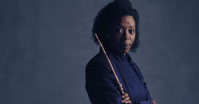 """Hermione Granger (Noma Dumezweni) dans la pièce """"l'Enfant Maudit"""""""