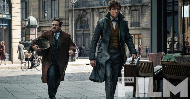 Jacob et Norbert dans les rues de Paris (Les Animaux Fantastiques : les crimes de Grindelwald - 2018)