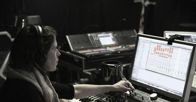 """L'artiste Imogen Heap composant la bande originale de """"HarryPotter et l'Enfant Maudit"""""""