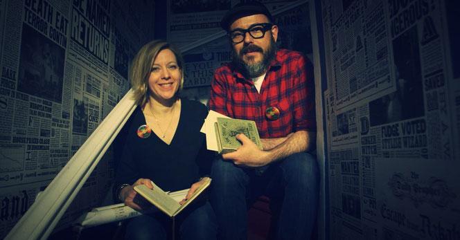 """Miraphora Mina et Eduardo Lima, les designers graphiques de la saga """"Harry Potter"""" (@Pottermore)"""