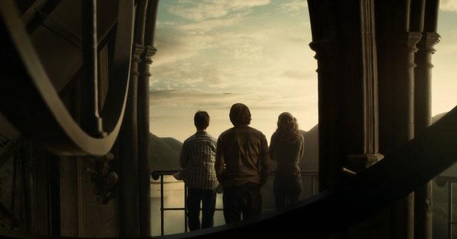 """Harry Potter (Daniel Radcliffe), Ron Weasley (Rupert Grint) et Hermione Granger (Emma Watson) dans """"Harry Potter et le prince de sang-mêlé"""""""