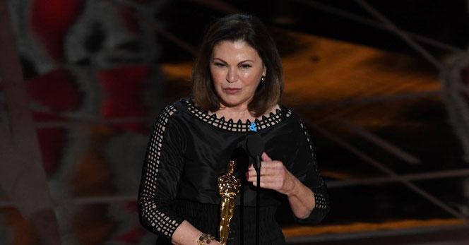 Colleen Atwood à la 89ème cérémonie des Oscars recevant son prix (AFP/Getty Images)