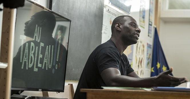 """Omar Sy dans l'émisson """"Au tableau"""" dimanche (C8/Xavier Lahache)"""