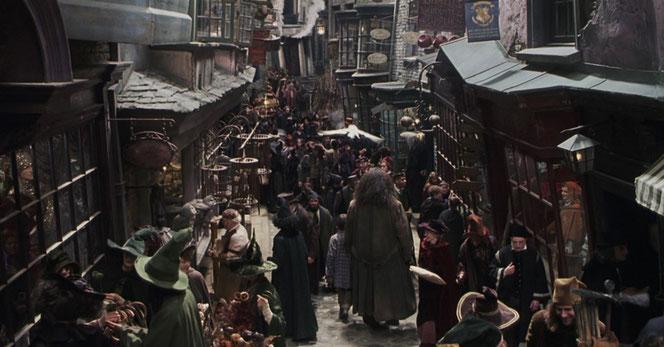 """Le Chemin de Traverse dans """"Harry Potter à l'école des Sorciers"""" (2001)"""