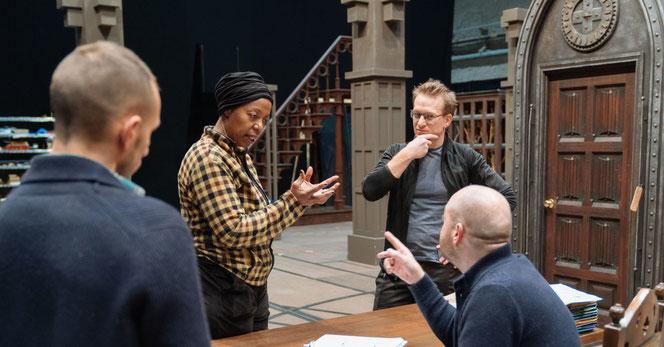 Noma Dumezweni et Jamie Parker en pleine conversation avec John Tiffany et Jach Thorne