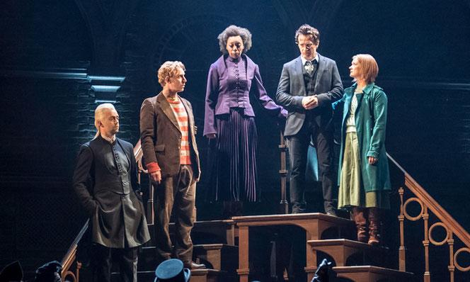 Drago Malefoy, Ron Weasley, Hermione Grnager, Harry Potter et Ginny Weasley