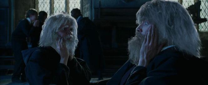 Fred et George découvrent leur barbe (Harry Potter et la Coupe de Feu - 2005)