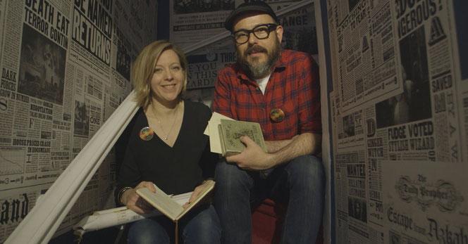 """Miraphora Mina et Eduardo Lima, les designers graphiques de la saga """"Harry Potter"""""""