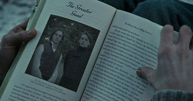 Dumbledore et Grindelwald dans leur jeunesse, dans le livre de Rita Skeeter (HP7 Partie 1)