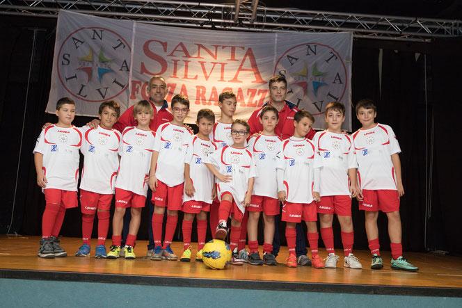 Mister Marco e Mister Fabio con i ragazzi della Under 11 del Santa Silvia