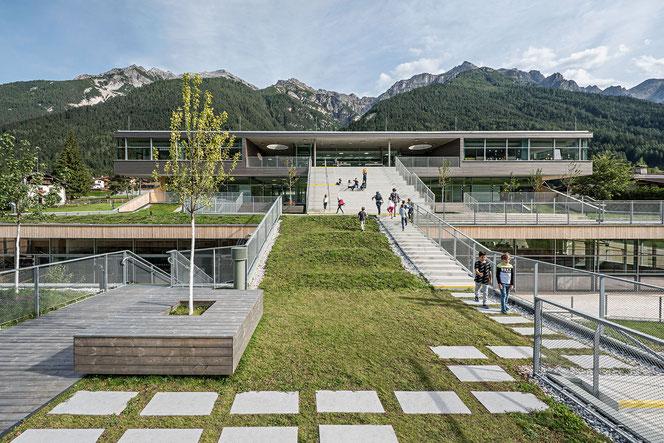 Schulcampus mit Ski-Trainingszentrum, Neustift im Stubaital. Foto: ©Hertha Hurnaus