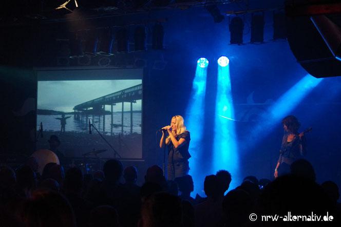 Die Band Mila Mar in der Sumpfblume auf dem Autumn Moon Festival in Hameln.