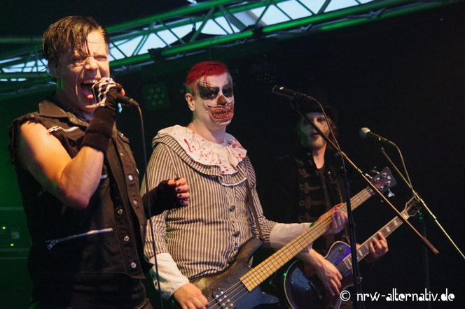 Bühnenbilder der Punkband The Other
