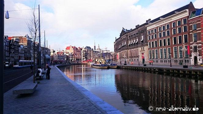 Eine Gracht in Amsterdam.