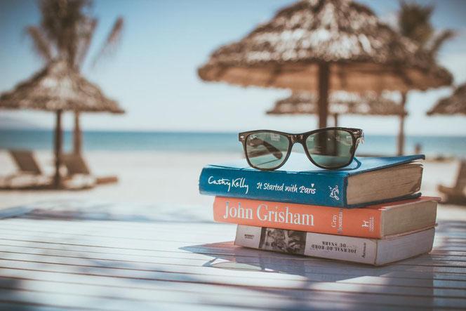 Lesen entspannt - nicht nur, aber auch im Urlaub.