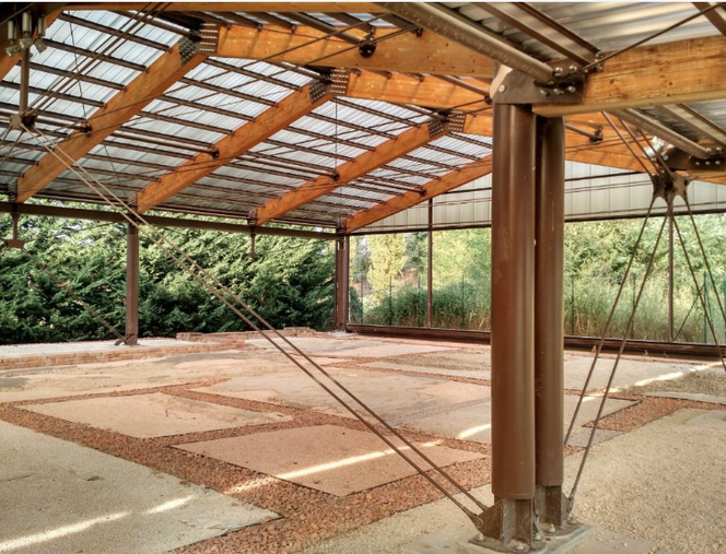 I resti della Villa Romana, coperta da tettoie