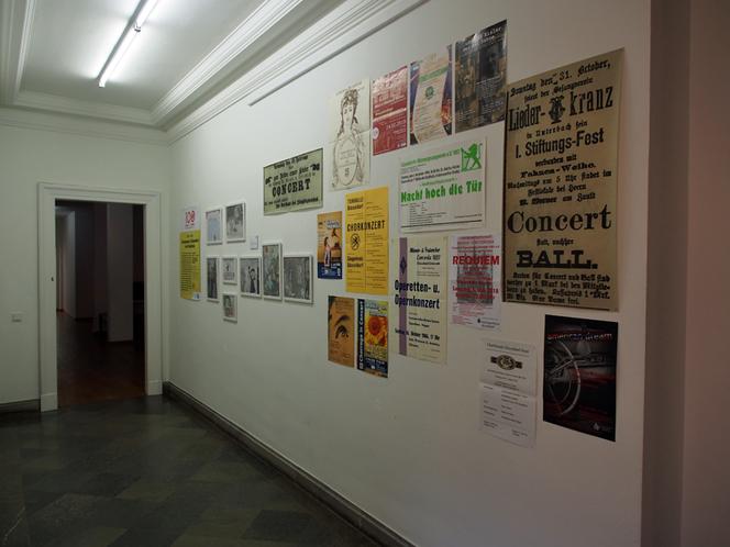 Bild: Ausstellung Raum 1 Teil 2