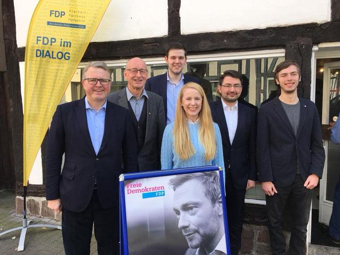 Von links nach rechts: Frank Schäffler, Hermann Ludewig, Patrick Büker (FDP Rheda-Wiedenbrück), Berit Seidel, Christian Sauter und Ralf Keller