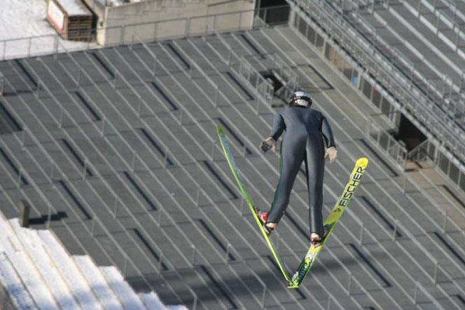 Benedikt Stoib bei seinem 130m Sprung an 23.01.2010 in Oberstdorf