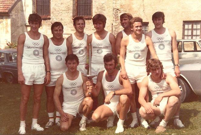 Dabei sein ist alles! 1972 wurde das olympische Feuer auch durch den Landkreis Miesbach getragen.