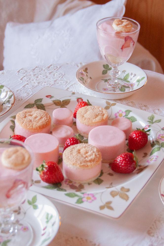 Mousse aux Fraises + Biscuit Cuillère, Fleur*Fleur*, fleurfleur