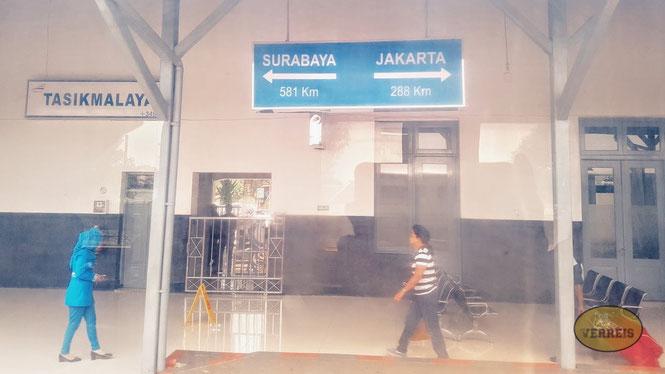Mit dem Zug durch Indonesien