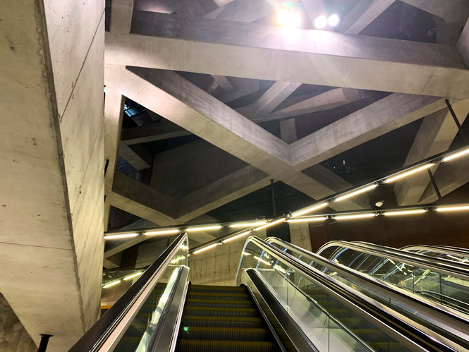 Concrete beams in M4 stations