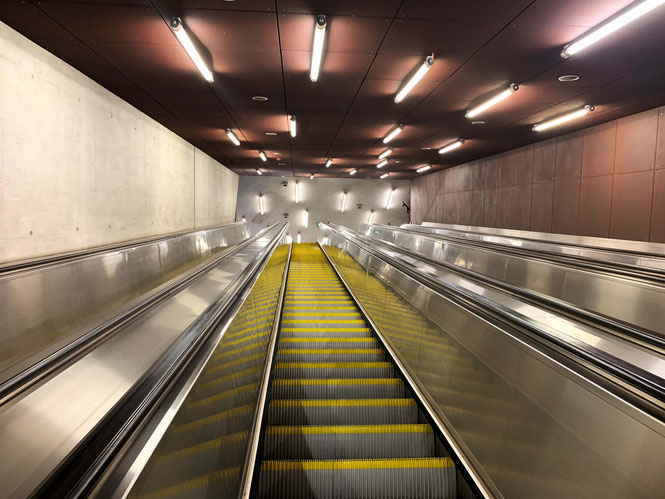 Escalators m4 subway