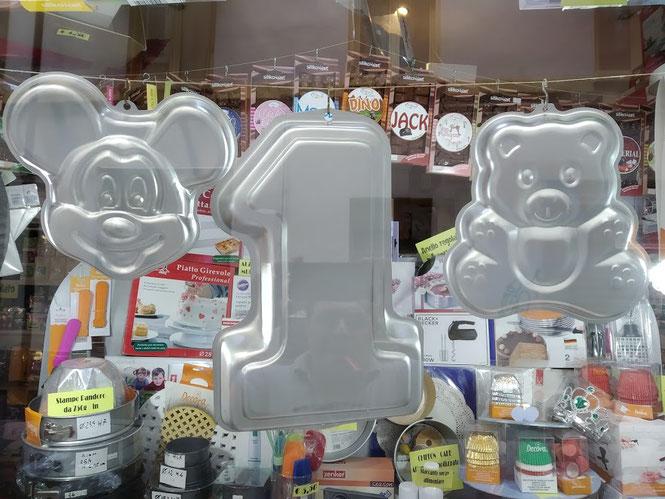 Stampi in alluminio per le torte dei vostri bambini Topolino,numero uno e orsetto