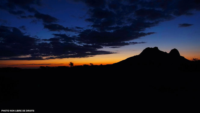Spitzkoppe au couchant, Namibie