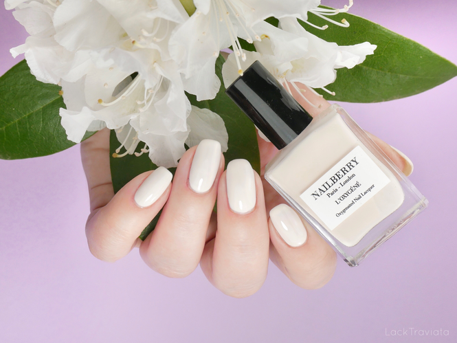 NAILBERRY • ALMOND