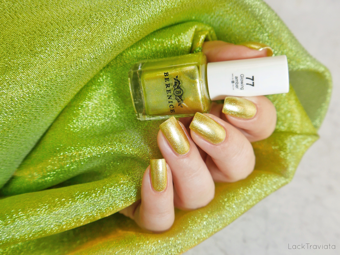 BERENICE • glowing amber 77 • Oxygen Nail Lacquer • Firework Collection