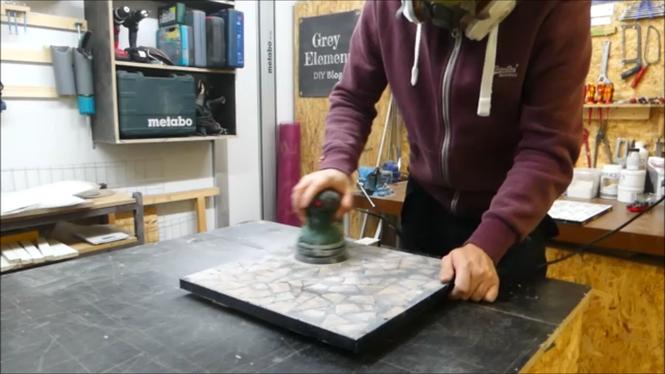 Tisch aus Epoxidharz und Holz selber bauen