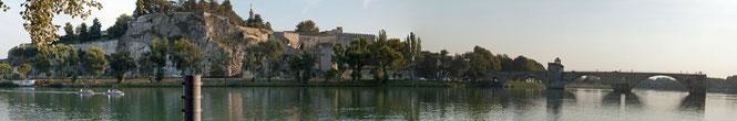 Papstpalast und Brücke von Avignon