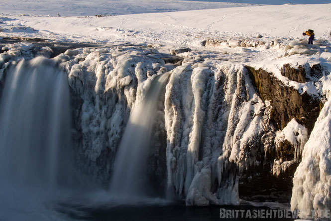 Godafoss,waterfall,iceland,tipps,car,winter,february,north,ice,snow