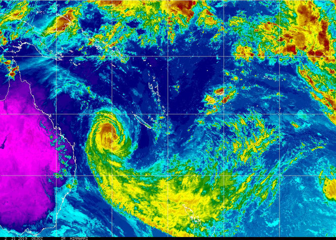 Colourized image of tropical cyclone Oma approaching the east coast of Australia (21/02/2019). From NOAA.