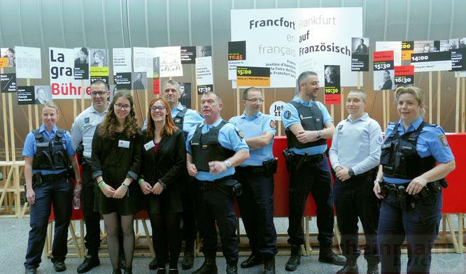 Deutsche Polizisten und französische Gendarmerie © rheinmainbild.de/Klaus Leitzbach