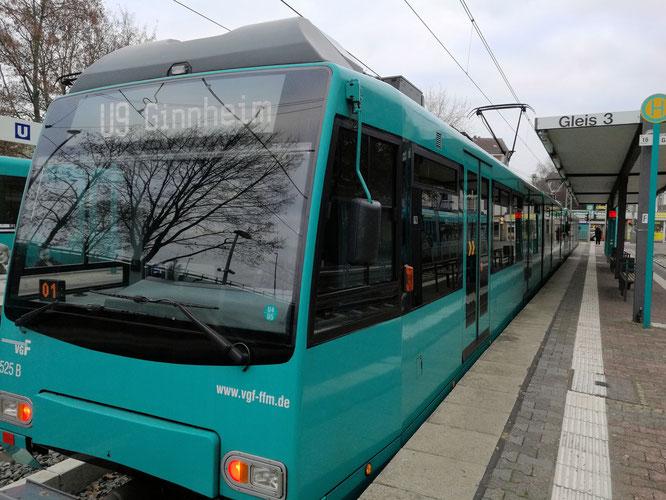 Endstation Ginnheim für U1 und U9 © Fpics.de/Klaus Leitzbach